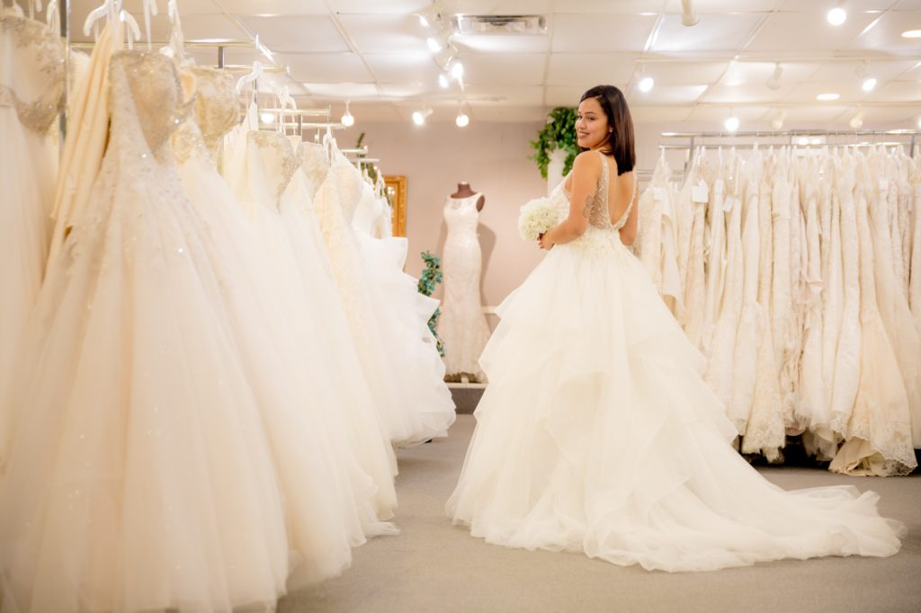 b114cd27940 Orlando Florida Bridal Stylist. Finding the Perfect Dress - A ...